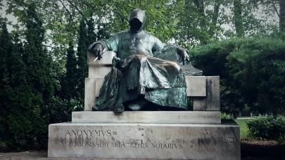 La statue anonyme